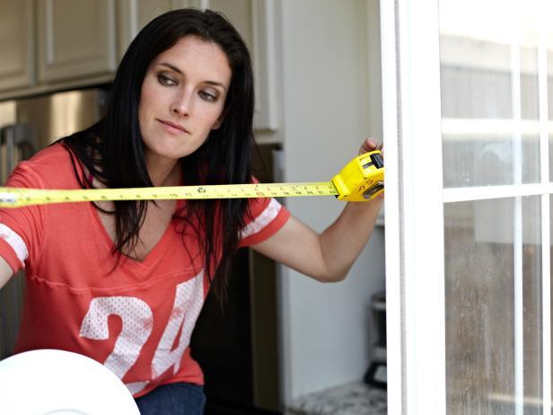 ODOC_House-Counselor_kitchen-window-stenciled-cornice_measure-window-length_4x3