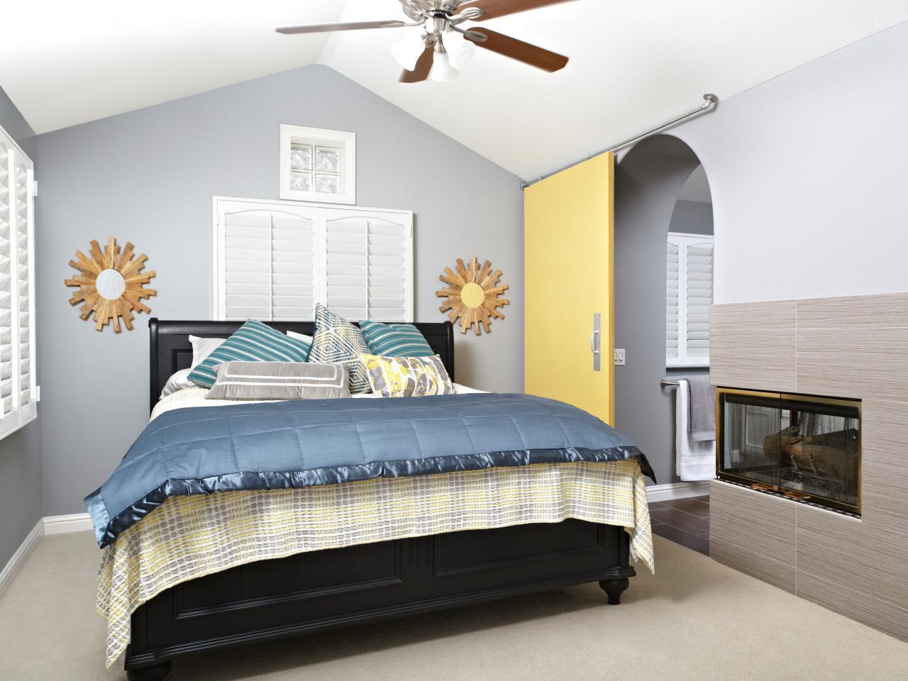 Diy sliding interior barn doors - Laurie March Odoc Pipe For Sliding Yellow Door_s4x3