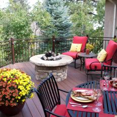 Treetop Deck with Fire Pit and Outdoor Dining