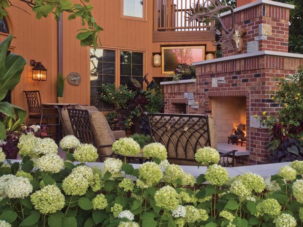 Bertrand-Landscape-Design_Outdoor-Fireplace-Kitchen-Patio_Outdoo