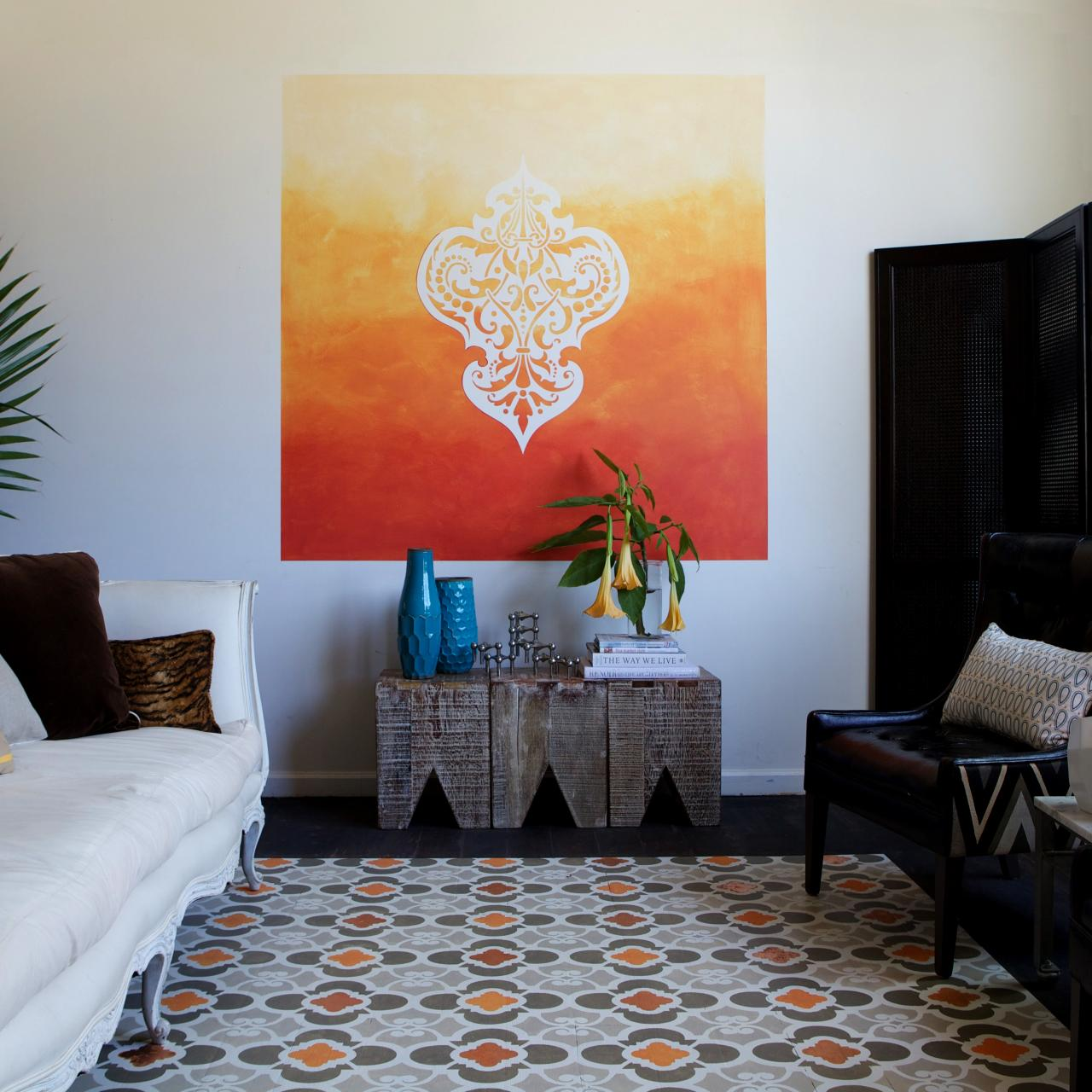 Learn how to paint a stenciled ombre wall mural how tos for Diy wall photo mural
