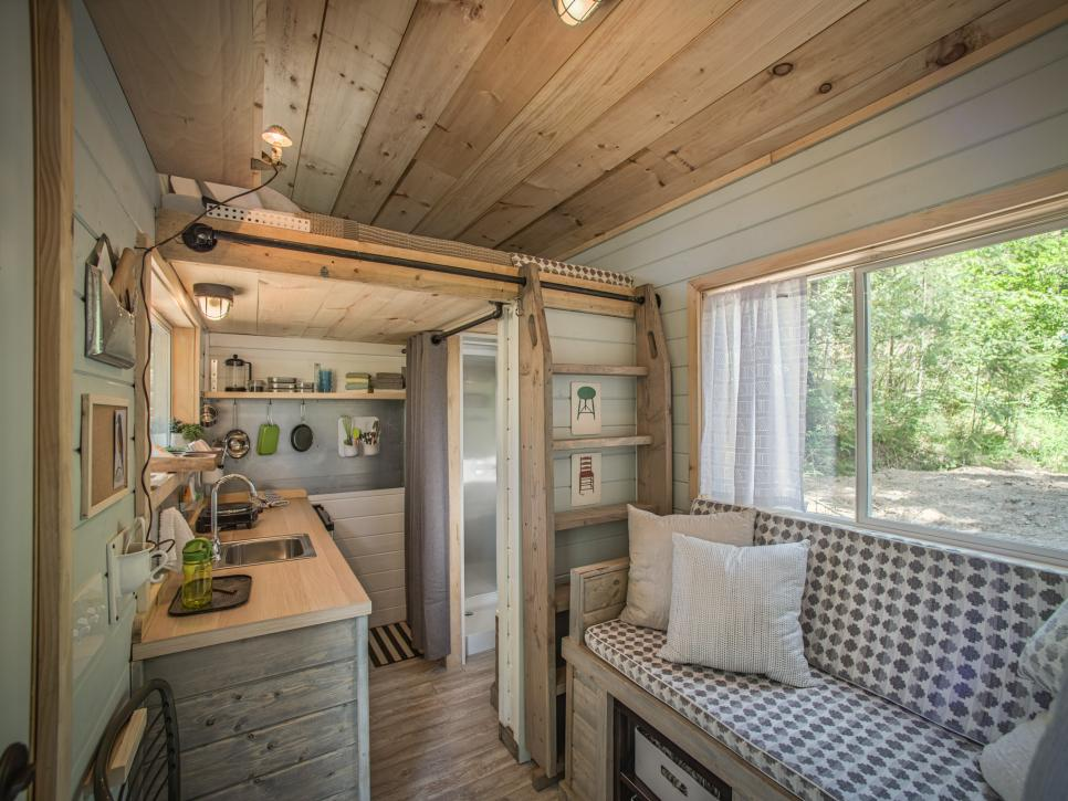 20 tiny house design hacks diy - House interior design for small houses ...