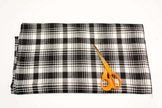 DIY No Sew Blanket Scarf Supplies