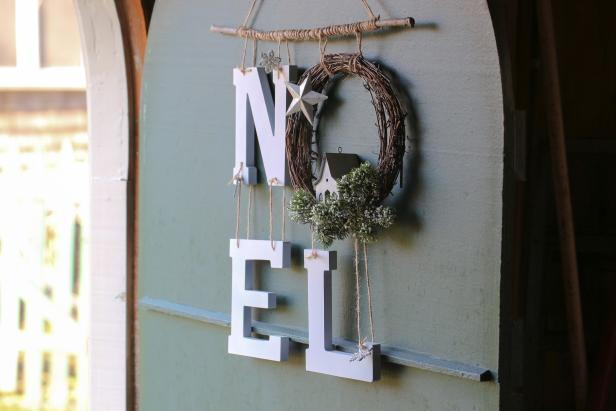 Display the Noel Wreath