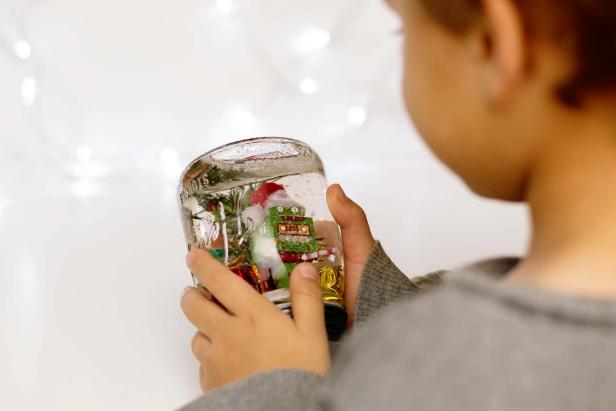 Kids Love DIY Snow Globes