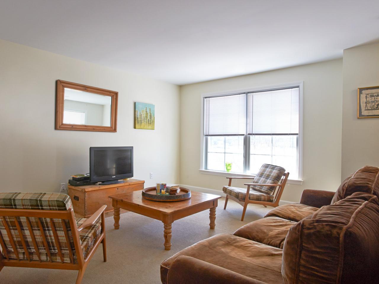 A Bare Bones Living Room Gets Vibrant Update