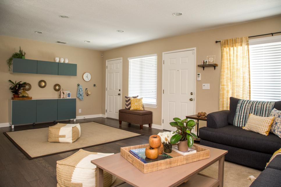 Hgtv Family Room Makeover: Coastal Living Room Makeover