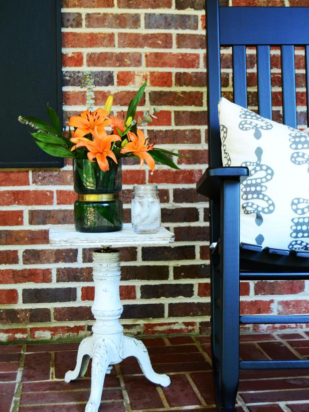 Upcycled Piano Stool Used as Porch Side Table