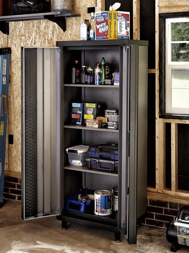 Professional Garage Organization Tips