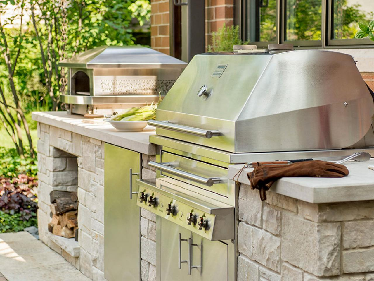 Ideas for getting your grilling space ready for outdoor for Outdoor grill cabinet plans
