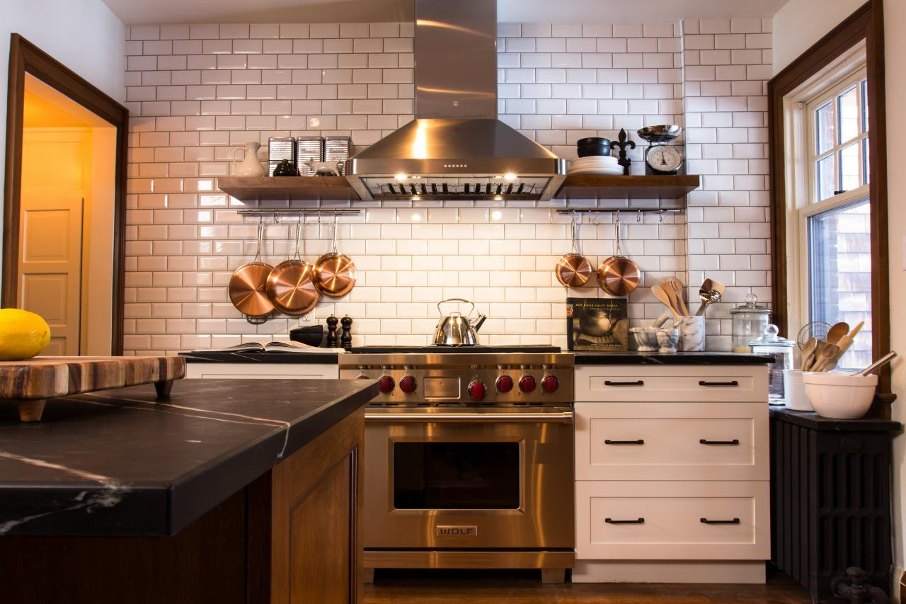 9 Kitchens With Show Stopping Backsplash Hgtv 39 S