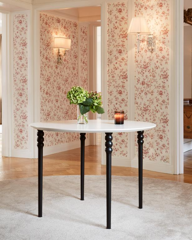 Dining Table with PrettyPegs legs.