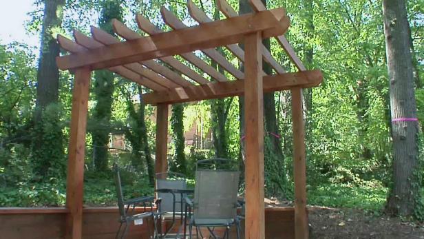 building a wooden pergola 0331