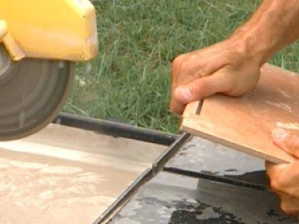 cut tiles with wet saw