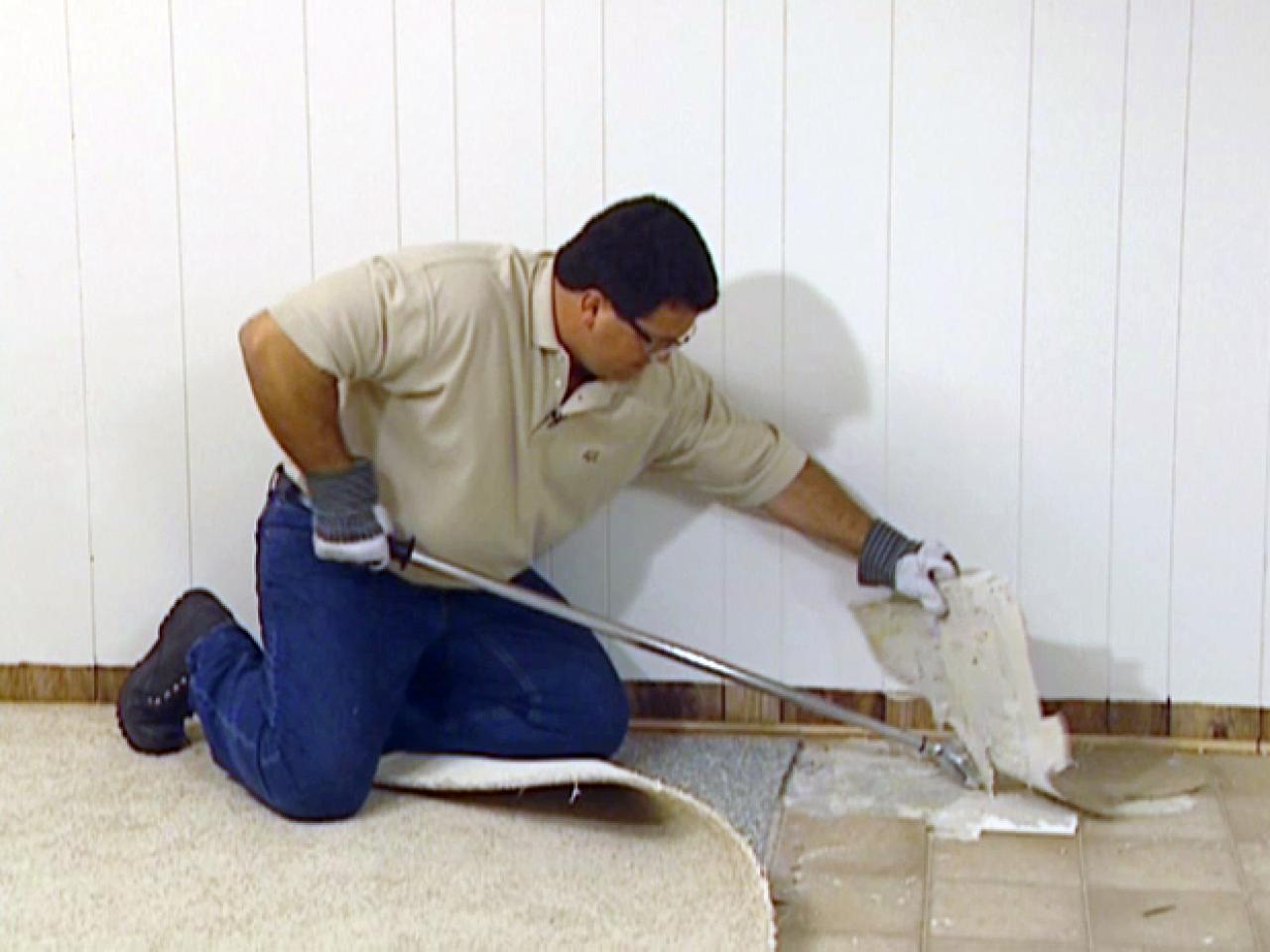 How To Remove And Add Vinyl Flooring How Tos Diy