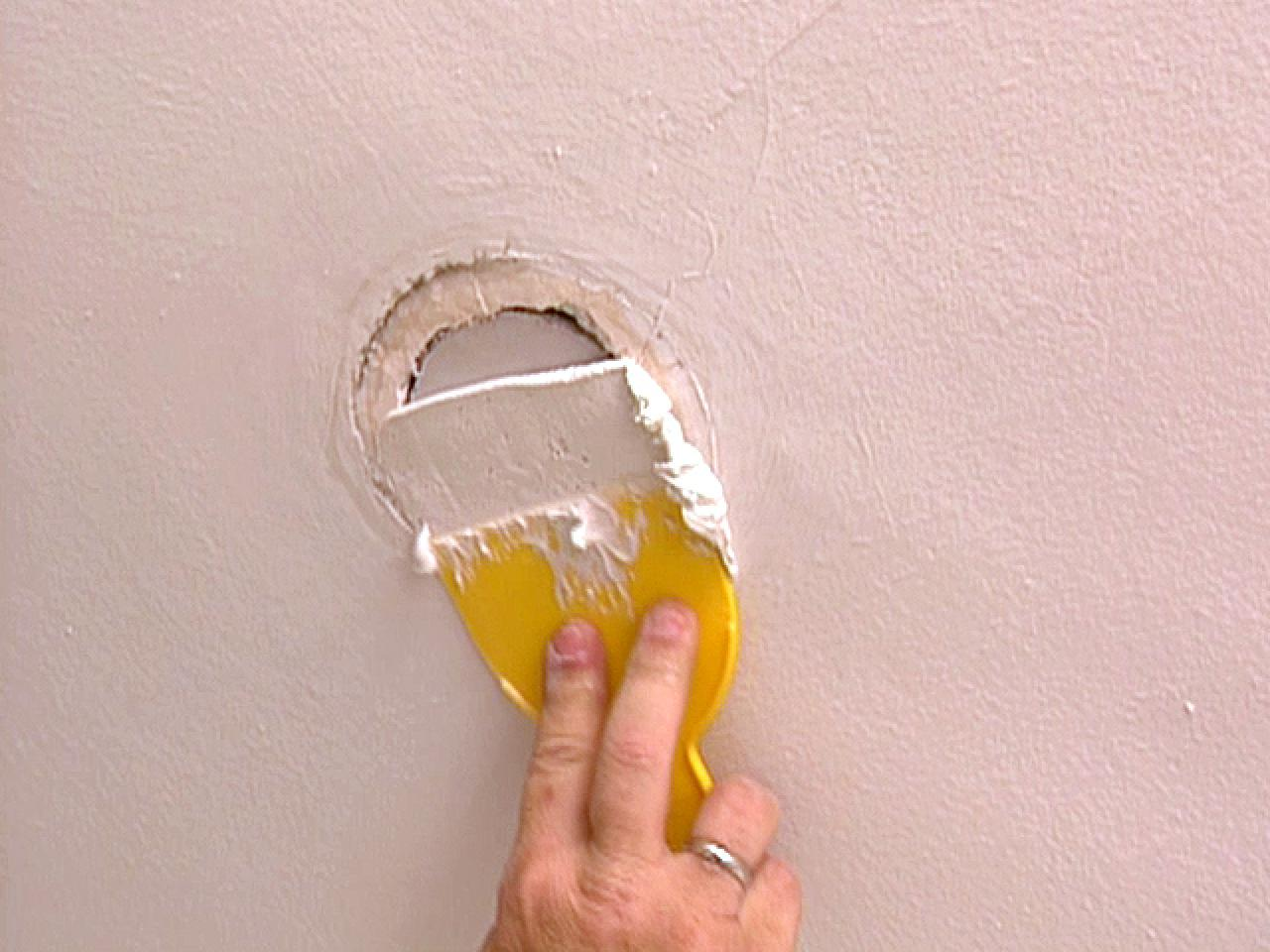 How To Patch A Ceiling Hole How Tos Diy