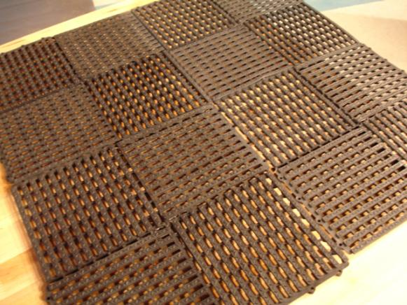 Workshop Flooring Options DIY - Rubber grate flooring
