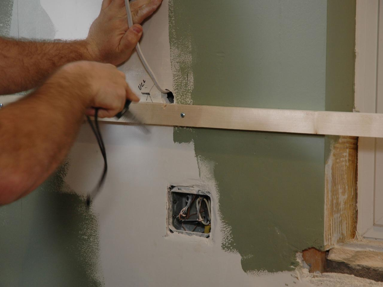 Kitchen Catch-Up: How to Install Cabinets | how-tos | DIY