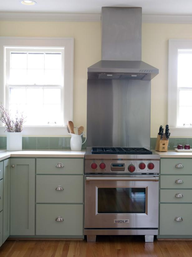 KB-2470977_kitchen-color-green-beth-haley