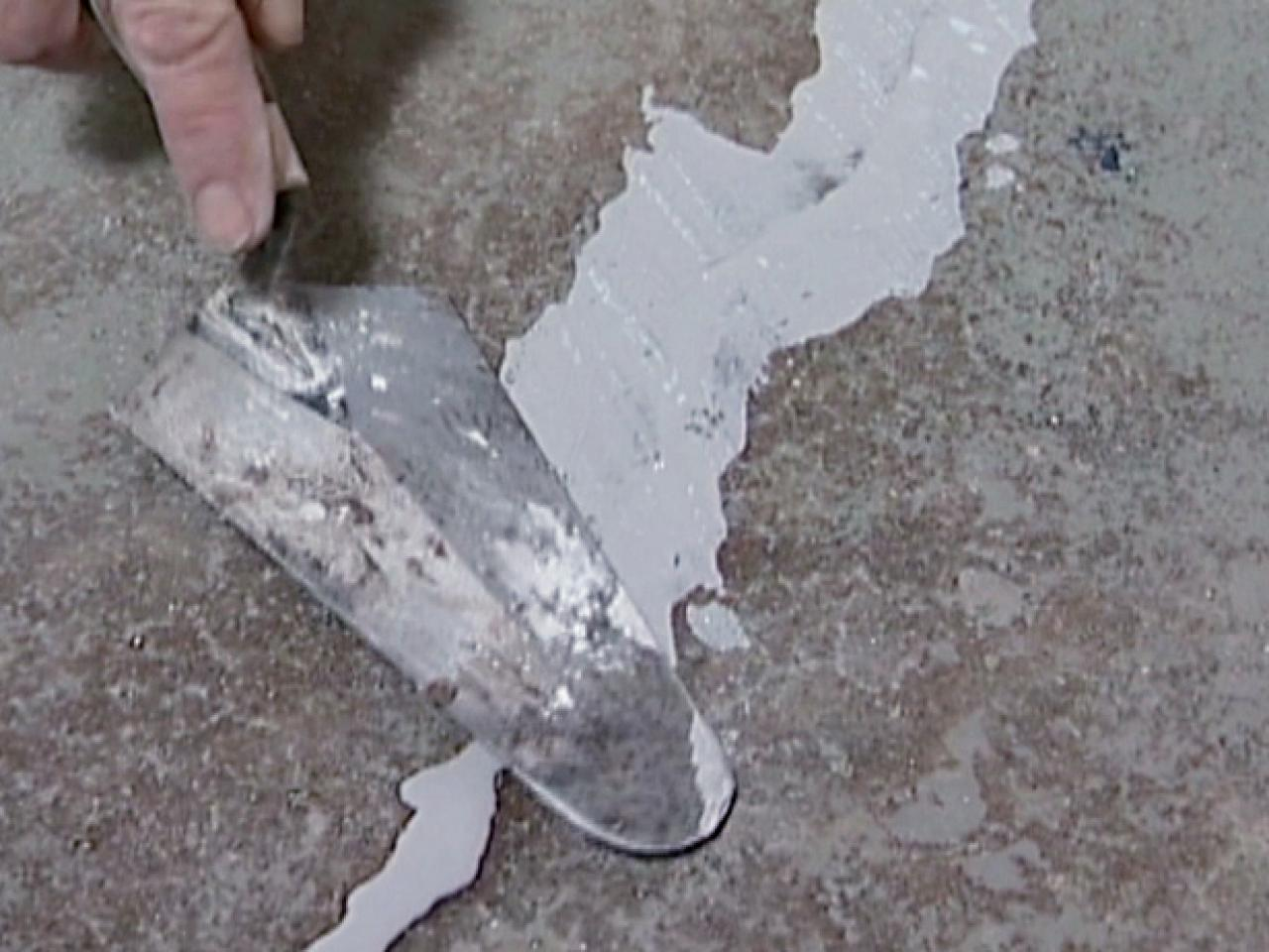 How to repair concrete cracks how tos diy for What can i do to my concrete floor