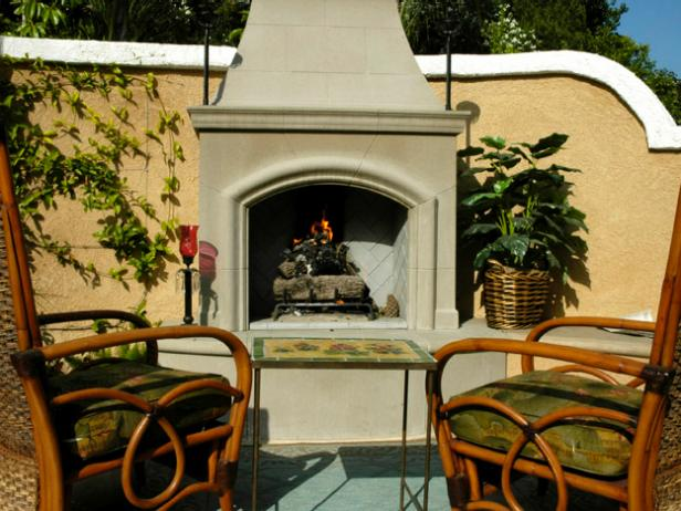 hgPG-2157380-Outdoor_fireplace