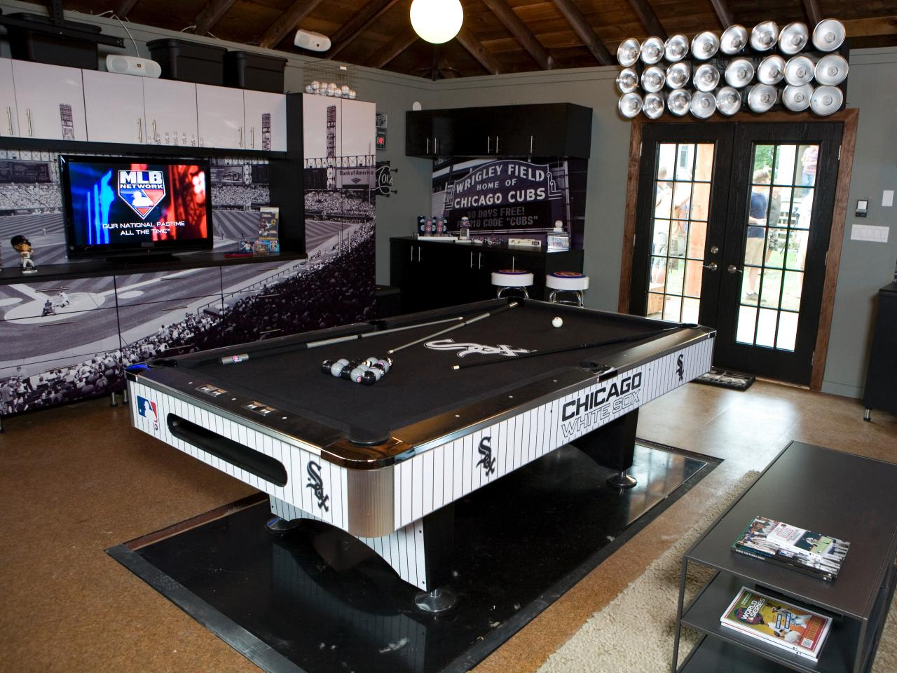 Man Cave The Show : The ultimate major league baseball man cave caves diy