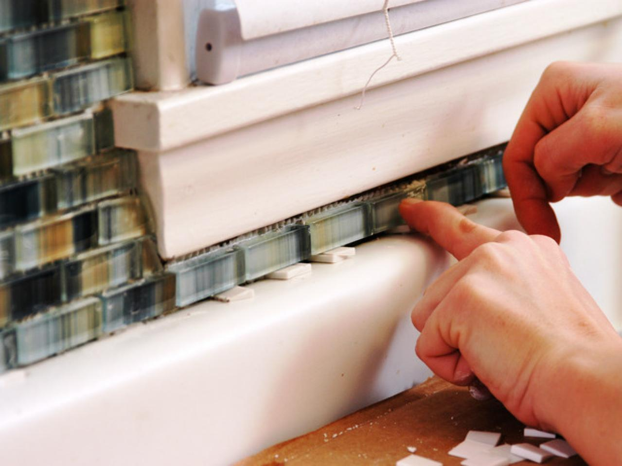 How to Install a Tile Backsplash | how-tos | DIY