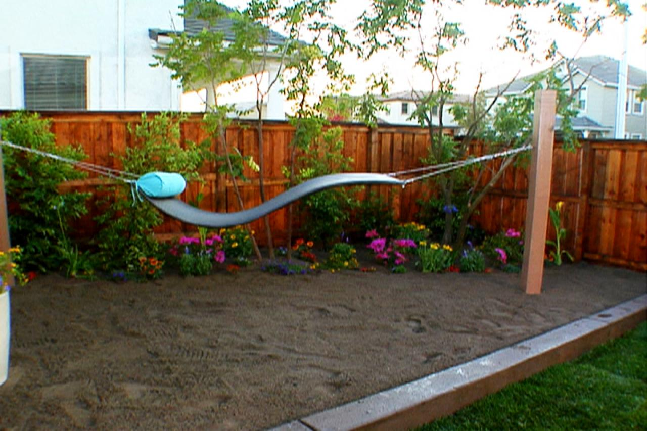 Backyard landscaping ideas diy for Backyard designs