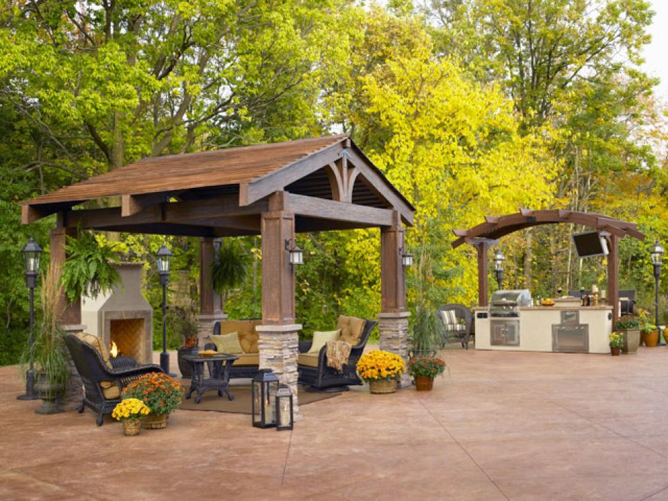 Pergola and gazebo design trends diy for Built in gazebo