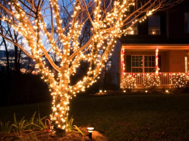 Outdoor Christmas Lights - Buyers Guide For The Best Outdoor Christmas Lighting DIY