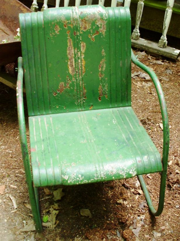 CI-Lynn-Coolen_green-lawn-chair_s3x4