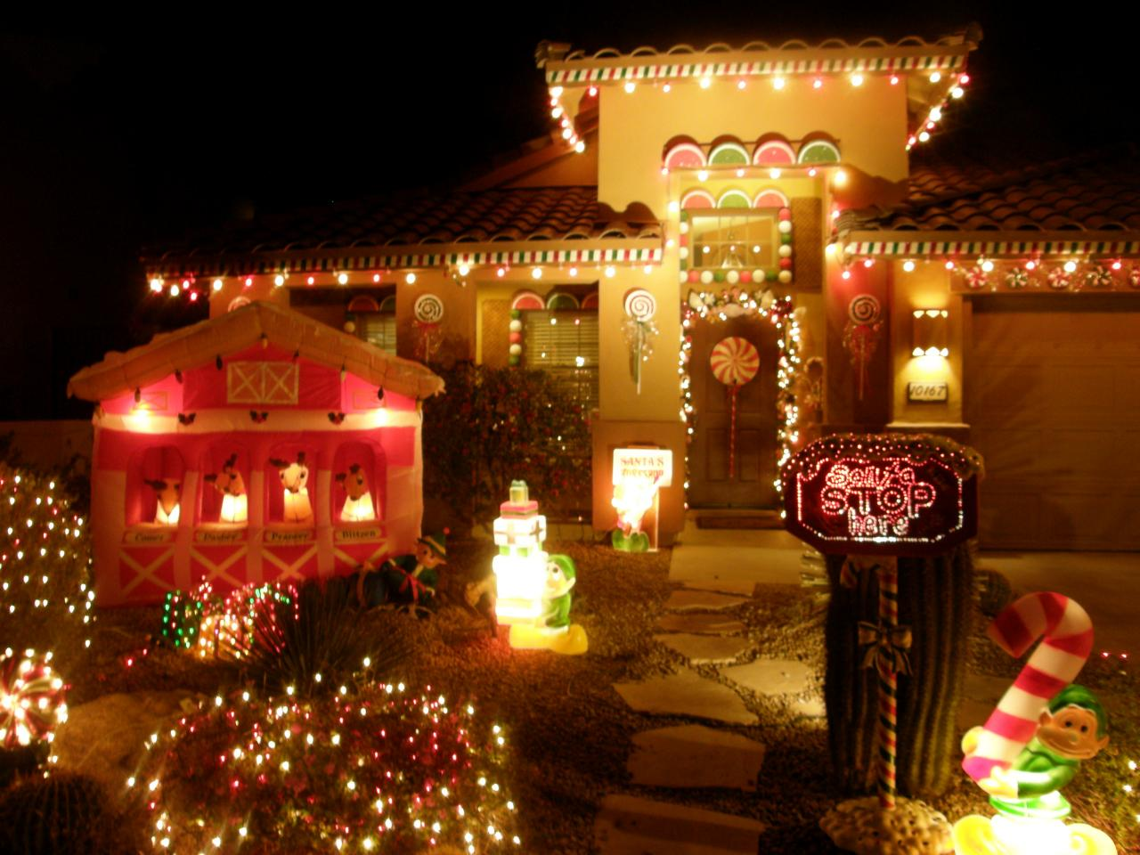 christmas light displays - Outdoor Light Up Christmas Decorations