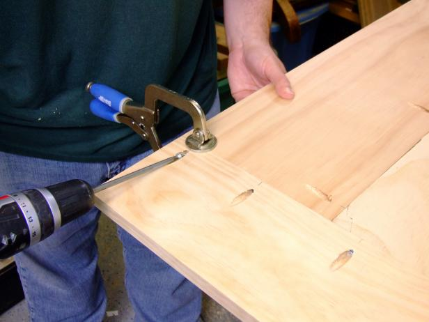 Attach the platform side trim to the platform  using 1-1/4-inch pocket-hole screws only.
