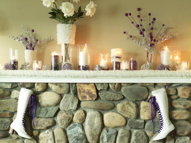 CI-Susan-Teare_Fireplace-mantel-boots-Christmas-close_s4x3