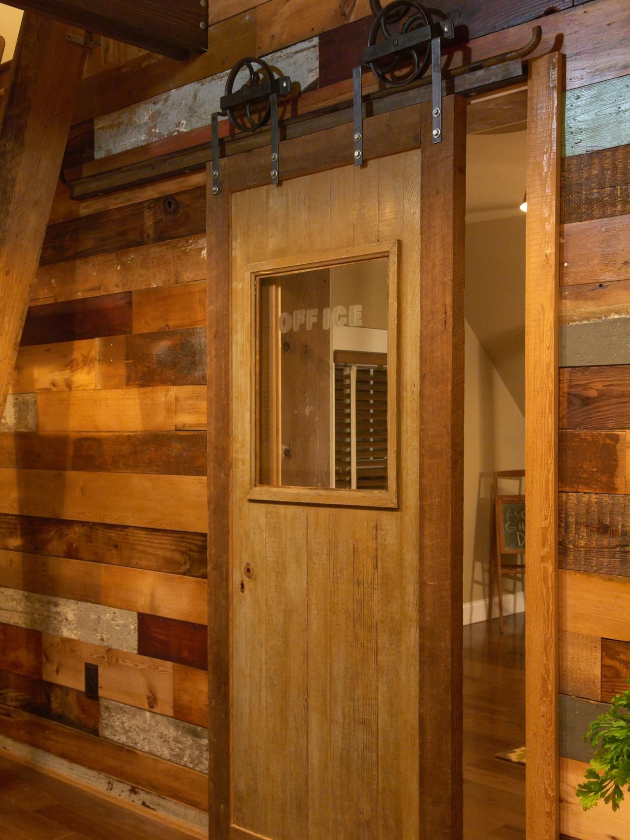 How To Build A Sliding Barn Door Diy Barn Door How Tos Diy
