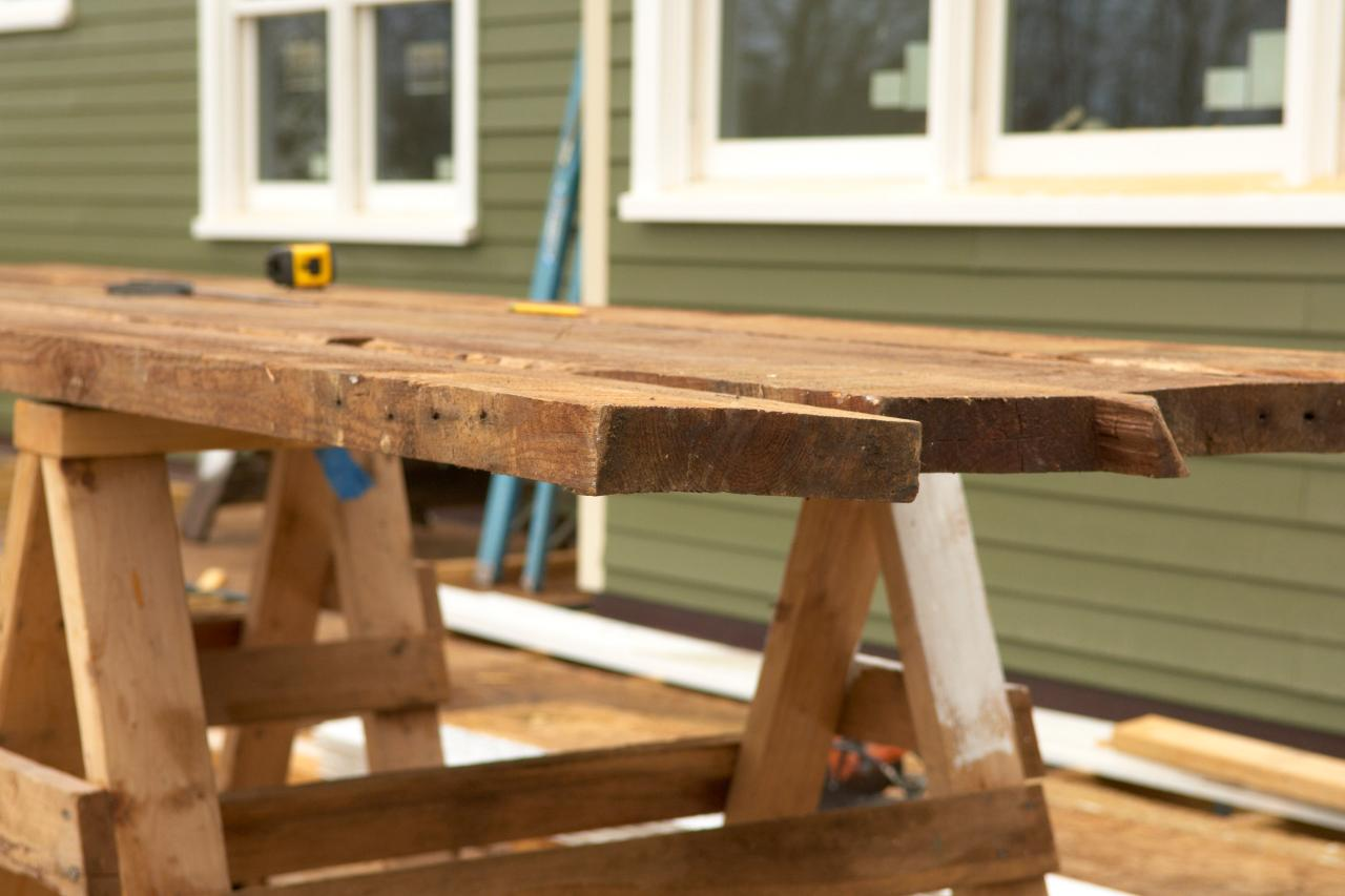 How To Build A Reclaimed Wood Office Desk Howtos DIY - Barn wood picnic table