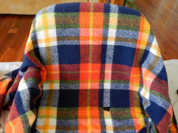 Original-Chair-Pet-Bed_Blanket-Slipcover_s4x3
