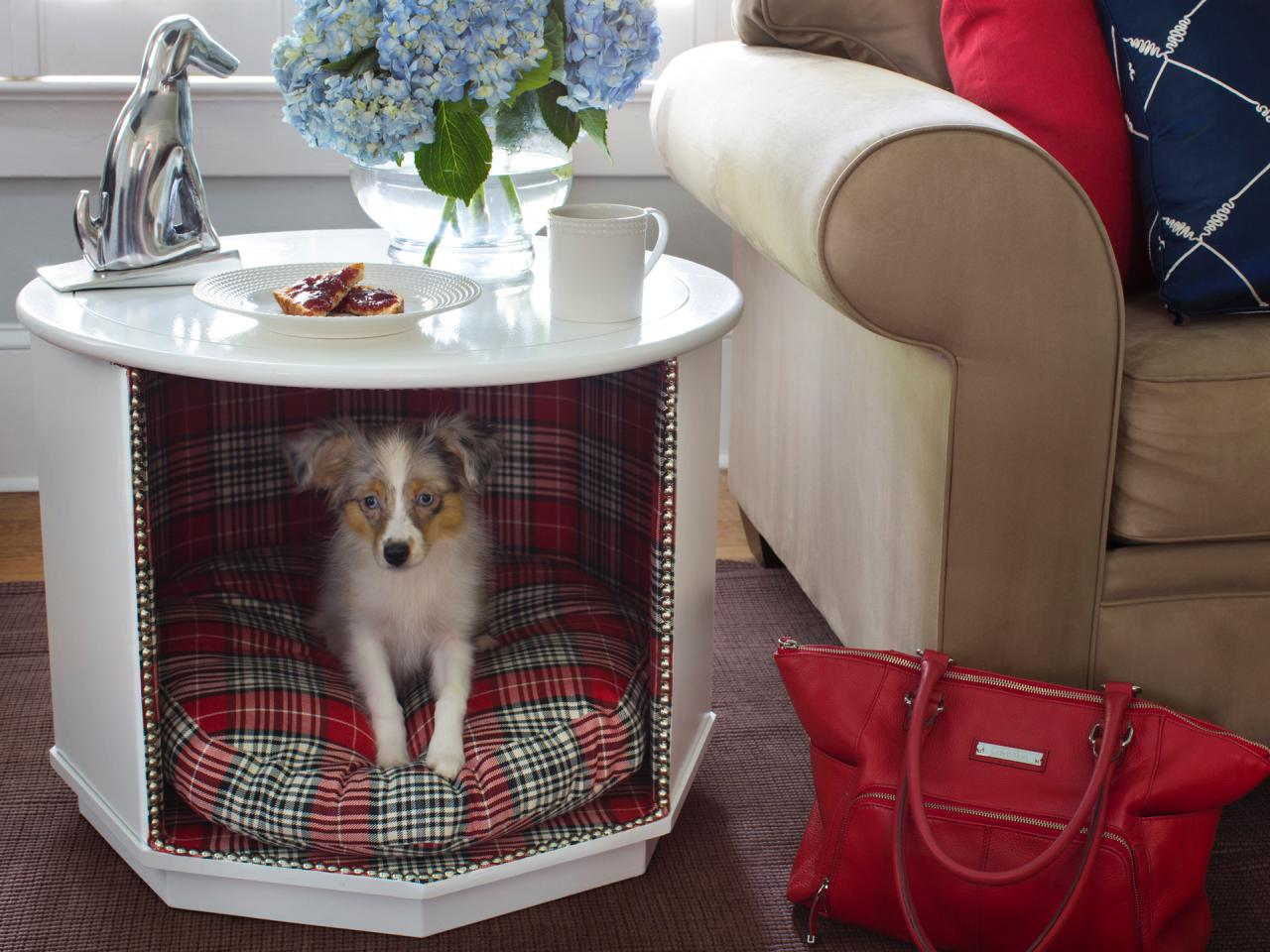 How to Make a Combination Pet Bed and End Table howtos DIY