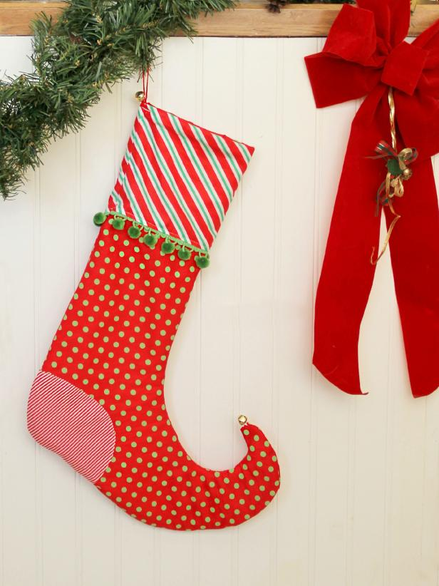 21 ways to make christmas stockings with free downloadable patterns - Christmas Stocking Decorating Ideas
