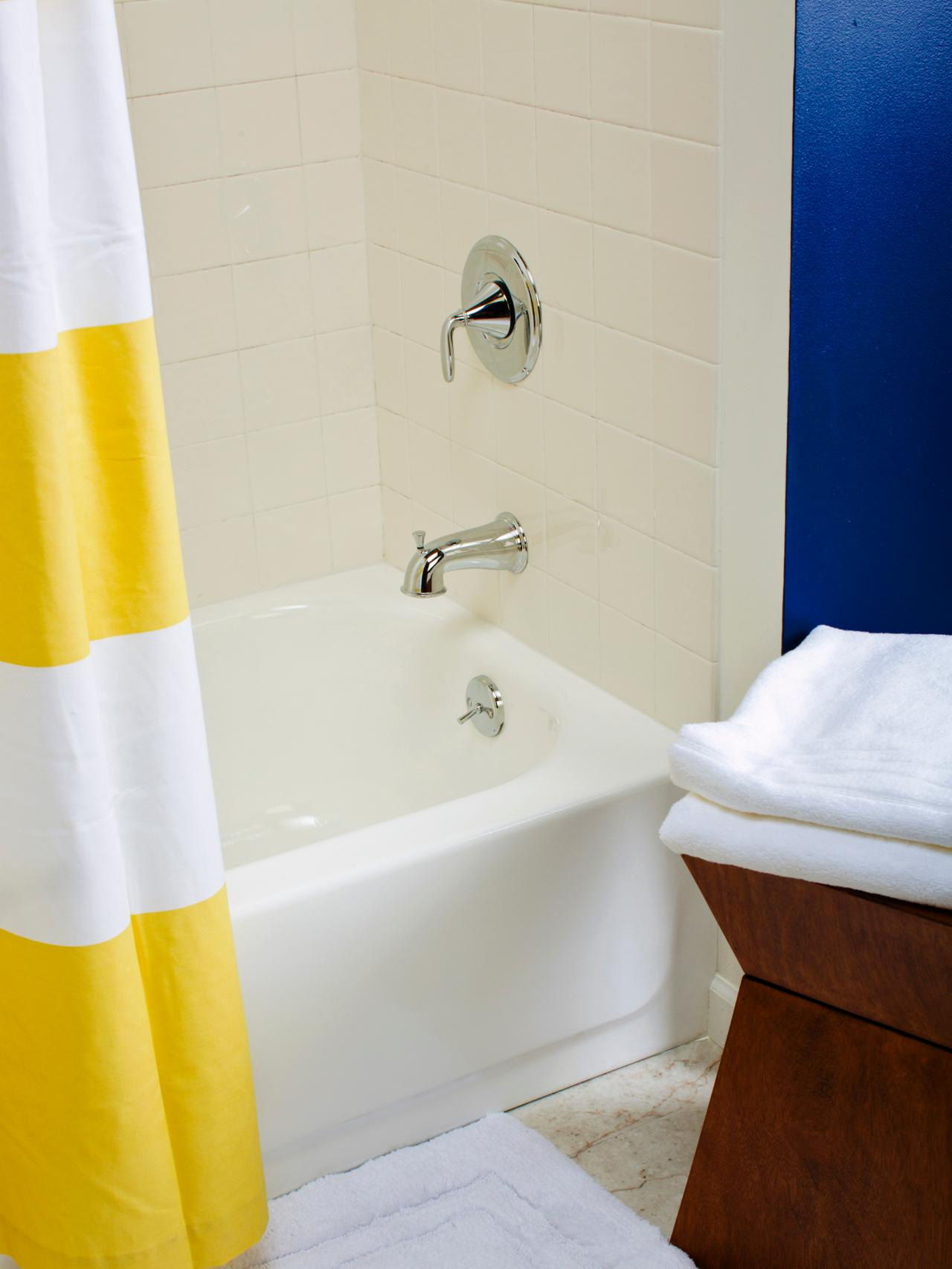 Tips from the pros on painting bathtubs and tile diy tips from the pros on painting bathtubs and tile dailygadgetfo Image collections
