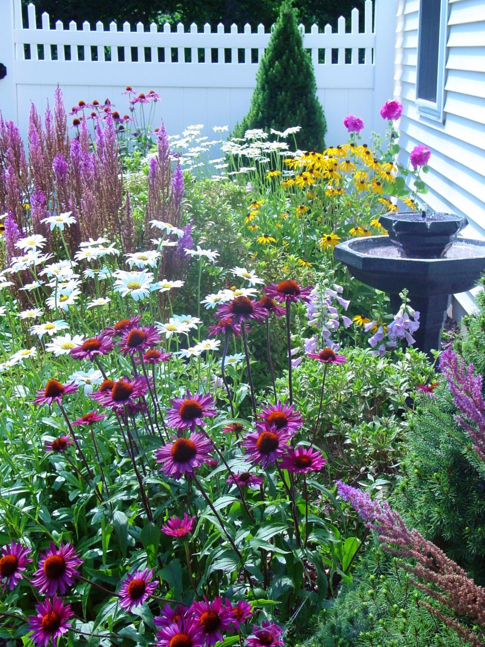 Cottage style landscapes and gardens diy for Landscape design guide
