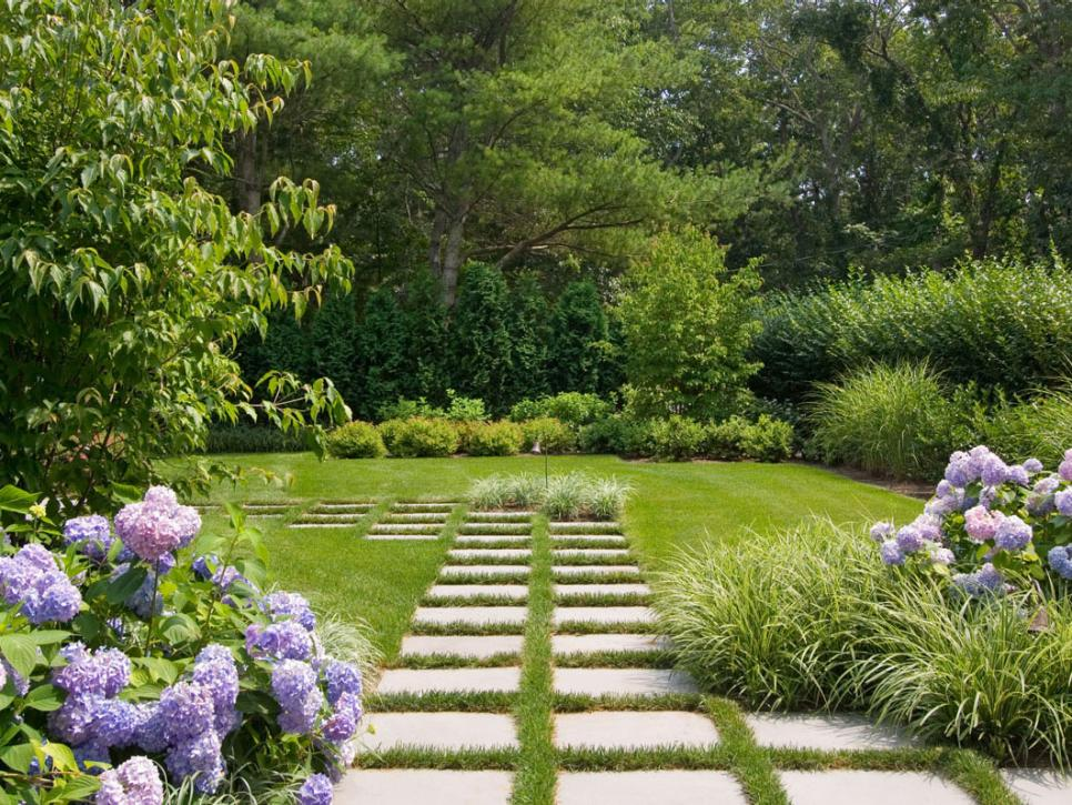 Pictures of formal english gardens diy for Landscape design usa