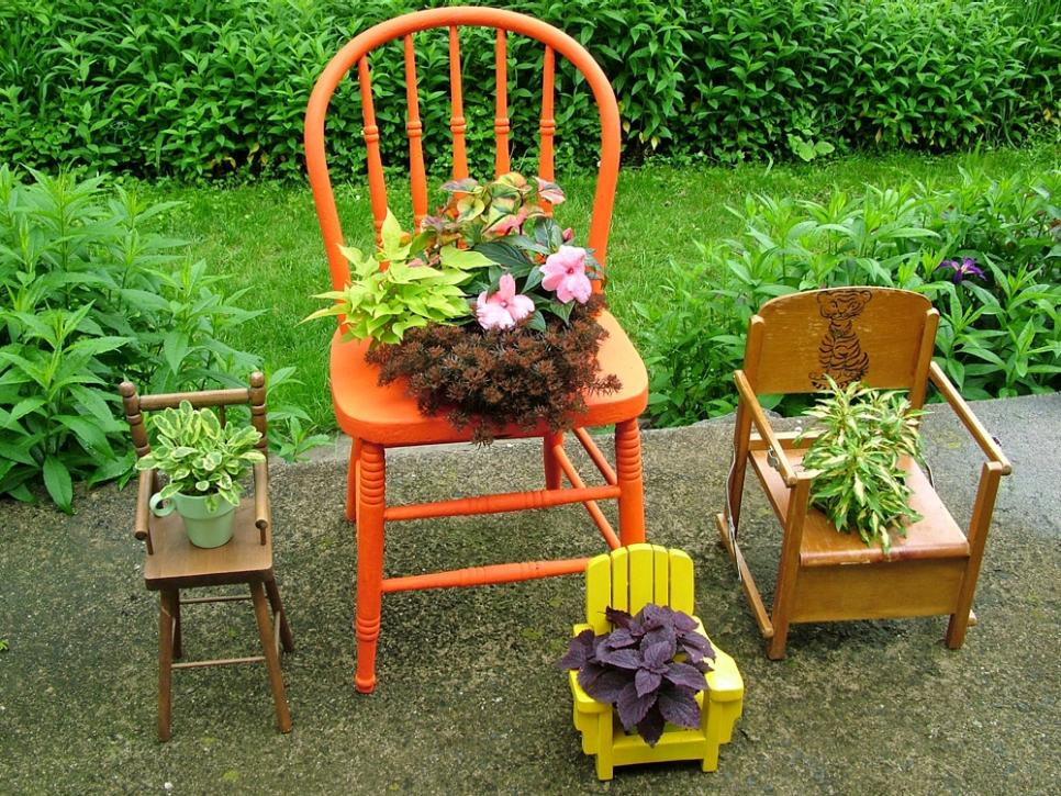 Upcycled Container Gardens, Planters and Vases | DIY on easy permaculture ideas, easy travel ideas, easy composting ideas, easy landscaping ideas, easy diy ideas, easy topiary ideas, easy christmas ideas, easy spring ideas, easy container plant ideas, easy entertaining ideas, easy container flower gardening, easy food ideas, easy garden, easy woodworking ideas, easy fall ideas, easy flower gardening ideas, flowers for flower pots ideas, easy sewing ideas, easy recycling ideas, easy xeriscaping ideas,