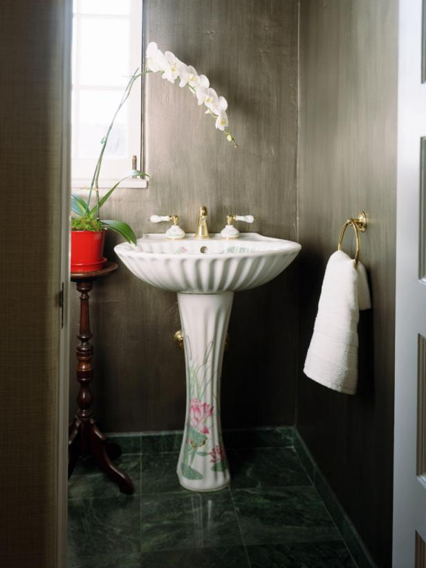Powder room designs diy for Powder room vanities for small spaces