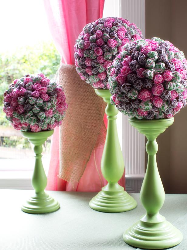 Original-brunch-wedding-shower_lollipop-topiaries_3x4