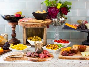 Original-stock-the-bar-shower_buffet-finger-foods_4x3
