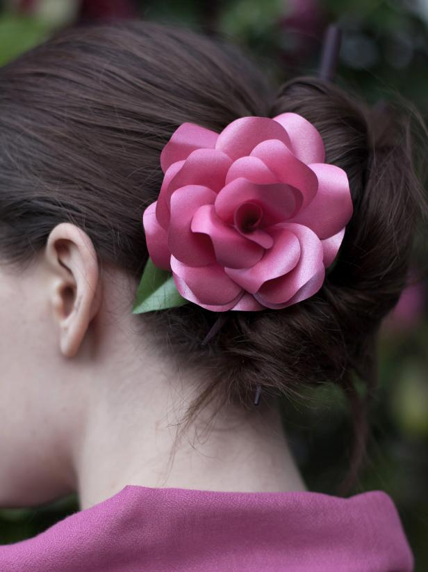 CI-Lia-Grffin_Paper-roses-pink-hair-piece_3x4