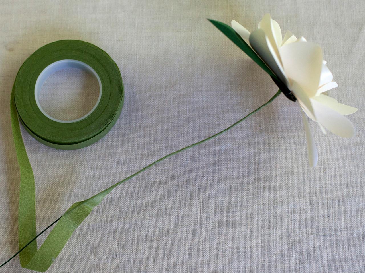 How to make paper gardenias how tos diy step 19 mightylinksfo