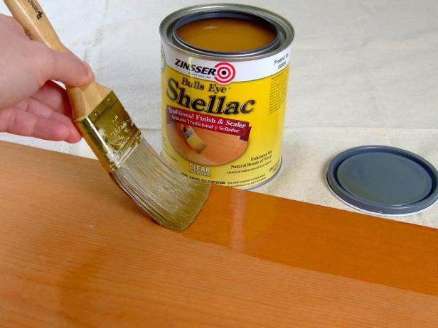 What's the Difference Between Polyurethane, Varnish, Shellac