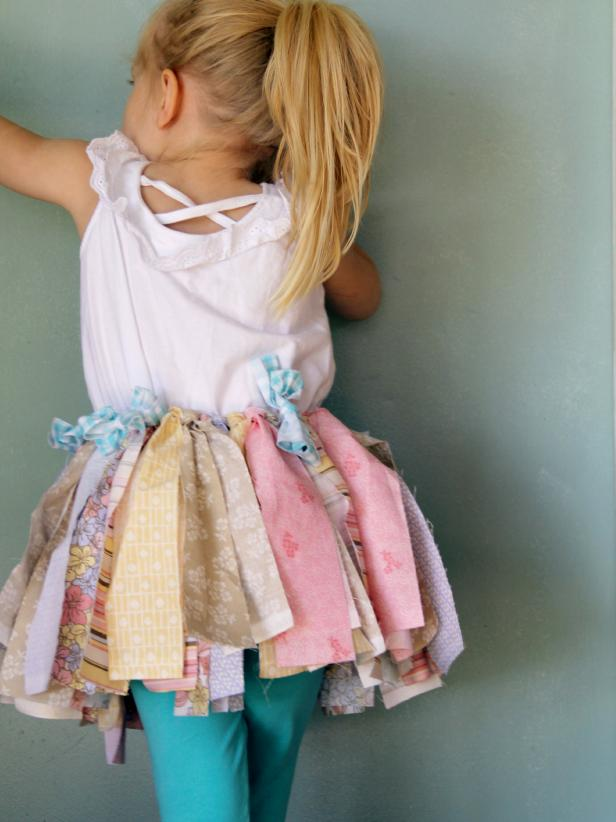 CI-Jess-Abbott_Upcycled-Tutu-little-girl-back_3x4